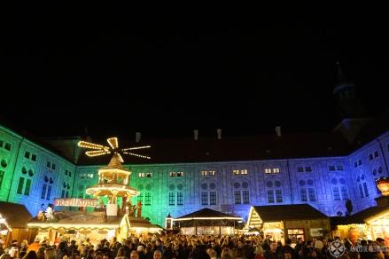historic-christmas-market-munich